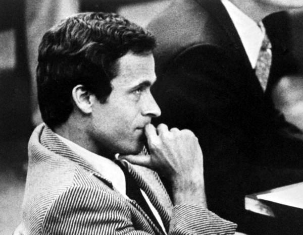 تئودور باندی در جلسه دادگاه